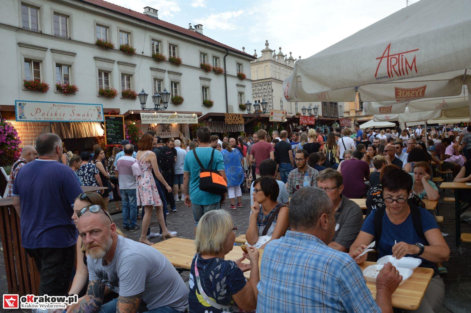 krakow festiwal pierogow maly rynek koncert cheap tobacco 80 150x150 - Galeria zdjęć Festiwal Pierogów Kraków 2018 + zdjęcia z koncertu Cheap Tobacco