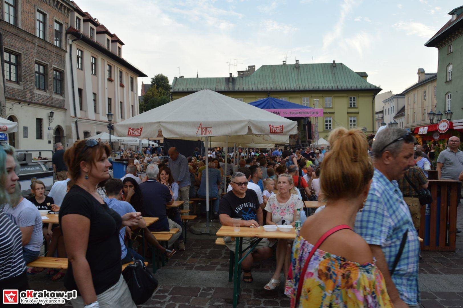krakow festiwal pierogow maly rynek koncert cheap tobacco 82 150x150 - Galeria zdjęć Festiwal Pierogów Kraków 2018 + zdjęcia z koncertu Cheap Tobacco