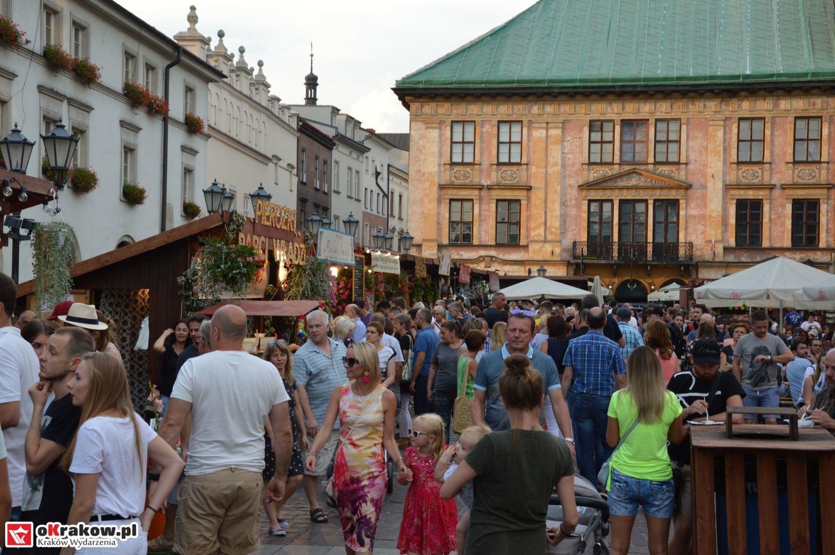krakow festiwal pierogow maly rynek koncert cheap tobacco 85 150x150 - Galeria zdjęć Festiwal Pierogów Kraków 2018 + zdjęcia z koncertu Cheap Tobacco