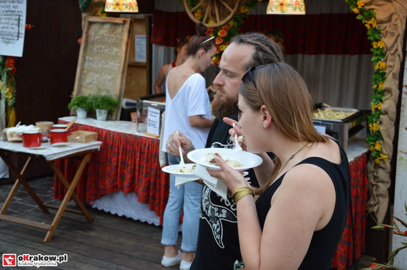 krakow festiwal pierogow maly rynek koncert cheap tobacco 87 150x150 - Galeria zdjęć Festiwal Pierogów Kraków 2018 + zdjęcia z koncertu Cheap Tobacco