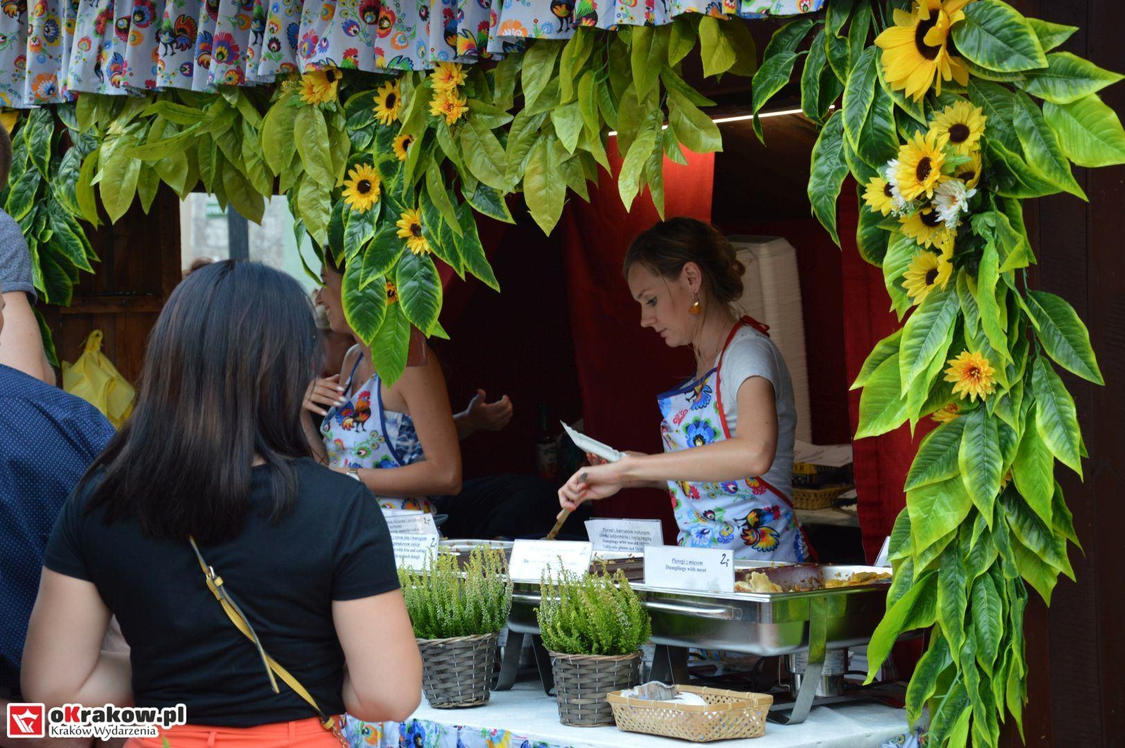 krakow festiwal pierogow maly rynek koncert cheap tobacco 89 150x150 - Galeria zdjęć Festiwal Pierogów Kraków 2018 + zdjęcia z koncertu Cheap Tobacco