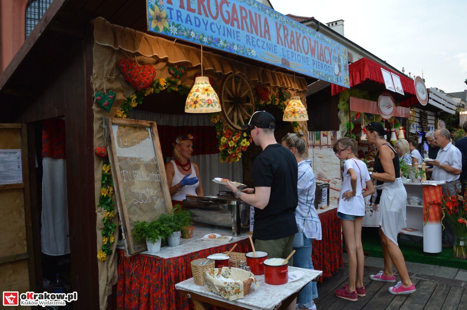krakow festiwal pierogow maly rynek koncert cheap tobacco 9 150x150 - Galeria zdjęć Festiwal Pierogów Kraków 2018 + zdjęcia z koncertu Cheap Tobacco