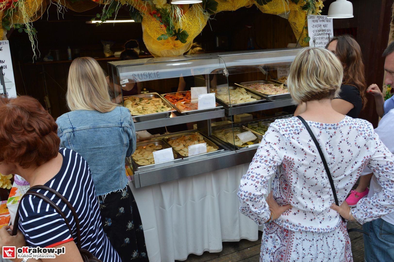 krakow festiwal pierogow maly rynek koncert cheap tobacco 90 150x150 - Galeria zdjęć Festiwal Pierogów Kraków 2018 + zdjęcia z koncertu Cheap Tobacco