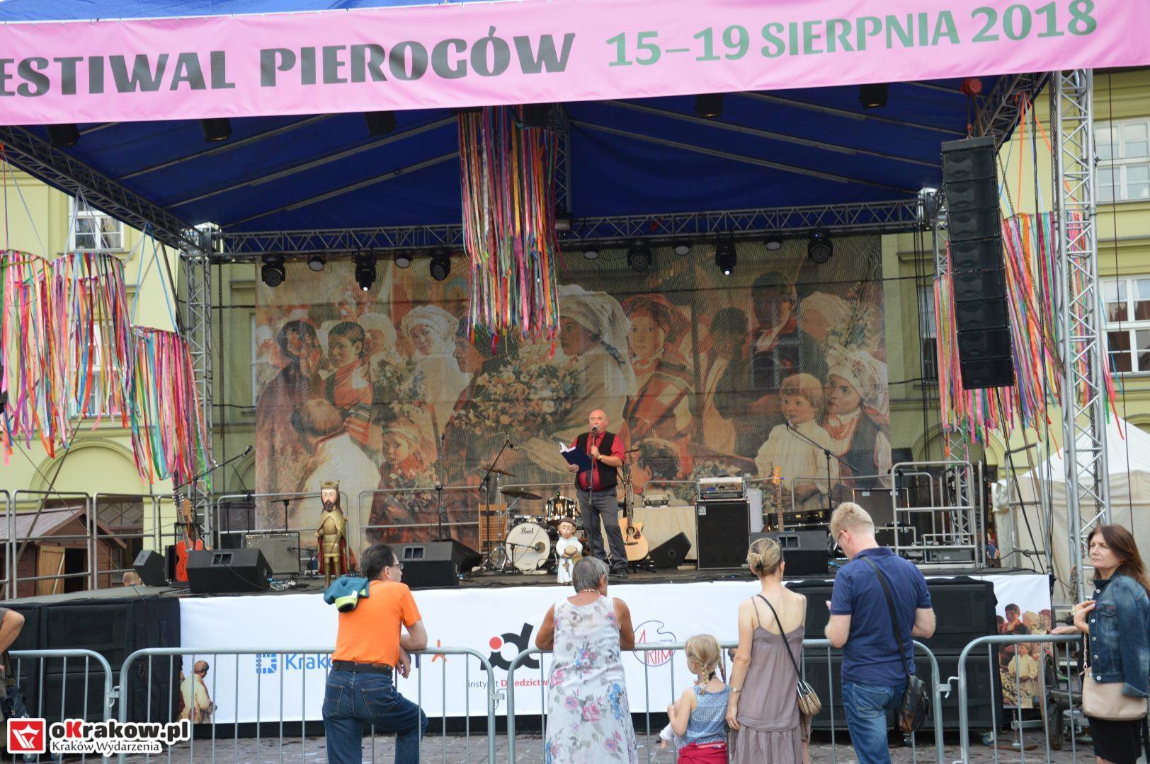 krakow festiwal pierogow maly rynek koncert cheap tobacco 92 150x150 - Galeria zdjęć Festiwal Pierogów Kraków 2018 + zdjęcia z koncertu Cheap Tobacco