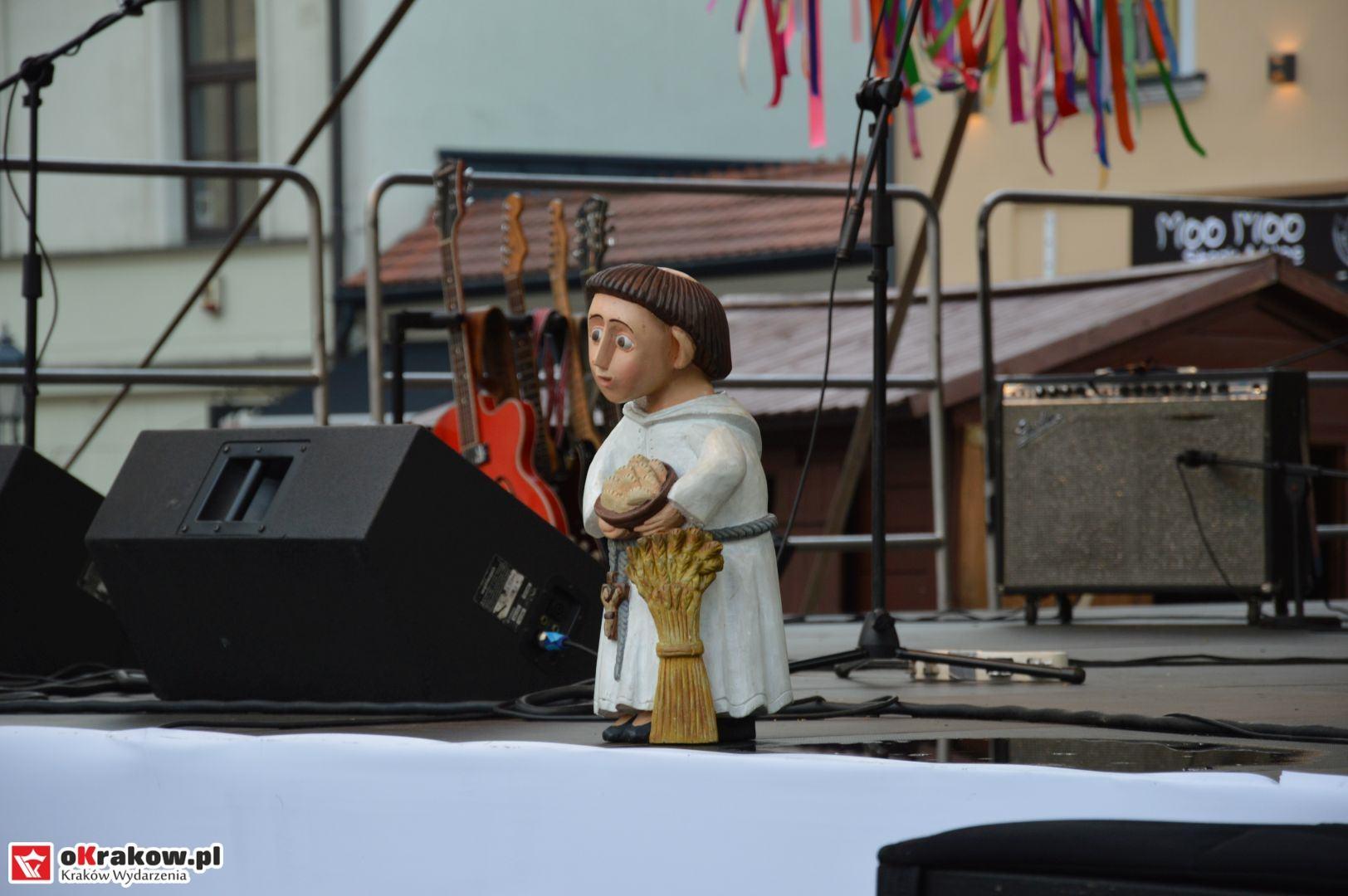 krakow festiwal pierogow maly rynek koncert cheap tobacco 97 150x150 - Galeria zdjęć Festiwal Pierogów Kraków 2018 + zdjęcia z koncertu Cheap Tobacco