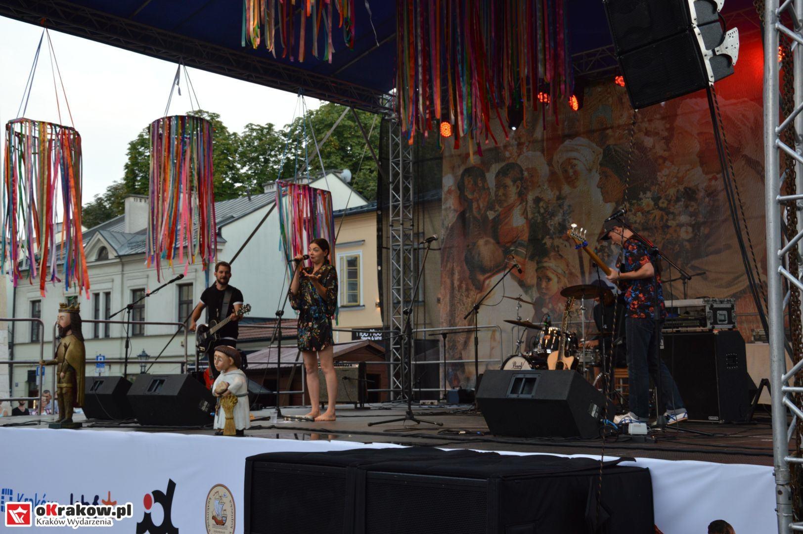 krakow festiwal pierogow maly rynek koncert cheap tobacco 99 150x150 - Galeria zdjęć Festiwal Pierogów Kraków 2018 + zdjęcia z koncertu Cheap Tobacco