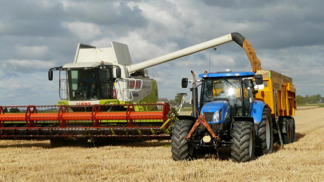 harvest grain combine arable farming 163752 - Technologies are gaining trust
