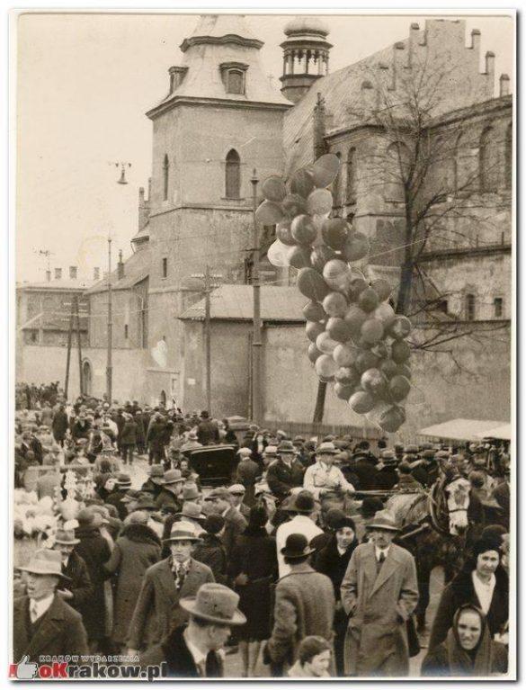 """emaus krakow 7 585x767 - Prapremiera przedstawienia """"Wielgånoc po krakosku""""... """"Emaus wiecznie żywy"""""""