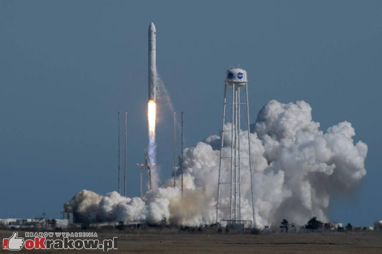 Pierwszy satelita z Krakowa zbudowany na AGH poleciał w kosmos