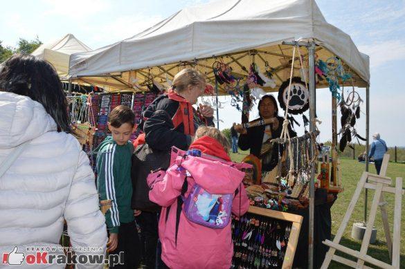 krakow podgorze rekawka kopiec krakusa 2019 112 585x389 - Obszerna galeria zdjęć z Tradycyjnego Święta Rękawki na Kopcu Krakusa