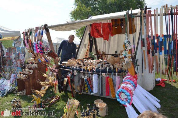krakow podgorze rekawka kopiec krakusa 2019 150 585x389 - Obszerna galeria zdjęć z Tradycyjnego Święta Rękawki na Kopcu Krakusa