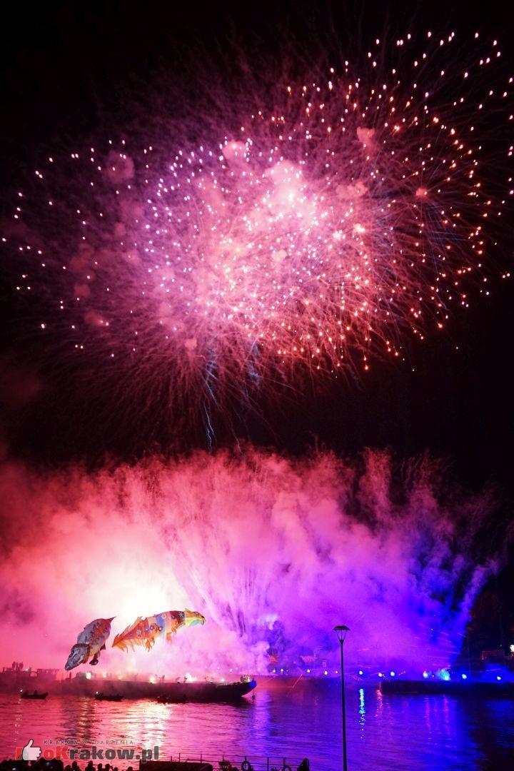 krakow wielkie widowisko na wisle zakole wisly pod wawelem 2019 242 150x150 - Galeria zdjęć z Widowiska Plenerowego na Wiśle 2019 (zakole Wisły pod Wawelem)