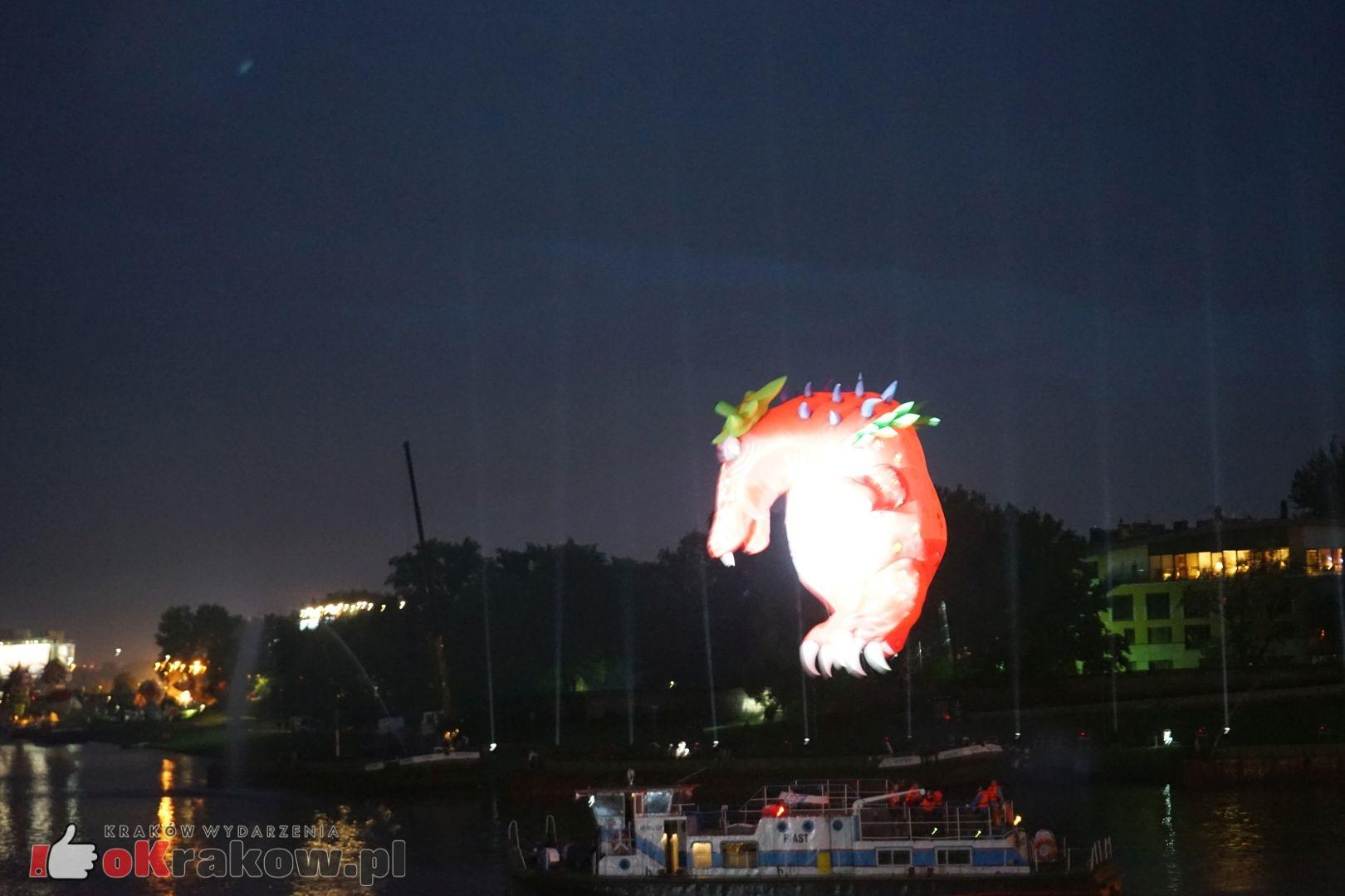 krakow wielkie widowisko na wisle zakole wisly pod wawelem 2019 6 150x150 - Galeria zdjęć z Widowiska Plenerowego na Wiśle 2019 (zakole Wisły pod Wawelem)