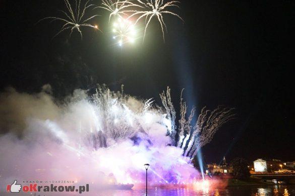 krakow-wielkie-widowisko-na-wisle-zakole-wisly-pod-wawelem-2019 (88)