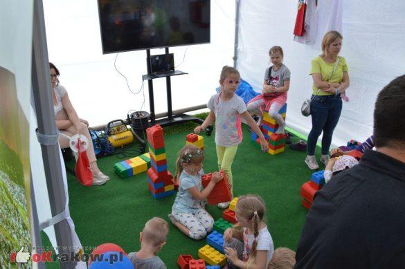 piknik rodzinny krakow bulwary wislane dzien dziecka 15 585x389 - Galeria zdjęć ze Smoczego Pikniku Rodzinnego nad Wisłą w Krakowie (1 czerwca 2019 Dzień Dziecka)