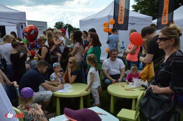 piknik rodzinny krakow bulwary wislane dzien dziecka 20 585x389 - Galeria zdjęć ze Smoczego Pikniku Rodzinnego nad Wisłą w Krakowie (1 czerwca 2019 Dzień Dziecka)