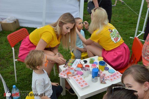 piknik rodzinny krakow bulwary wislane dzien dziecka 24 585x389 - Galeria zdjęć ze Smoczego Pikniku Rodzinnego nad Wisłą w Krakowie (1 czerwca 2019 Dzień Dziecka)