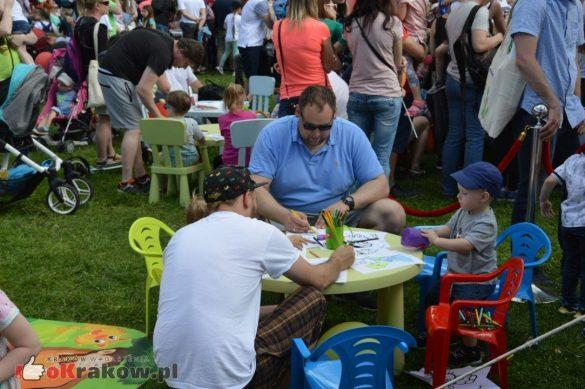 piknik rodzinny krakow bulwary wislane dzien dziecka 26 585x389 - Galeria zdjęć ze Smoczego Pikniku Rodzinnego nad Wisłą w Krakowie (1 czerwca 2019 Dzień Dziecka)