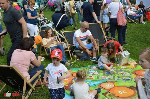 piknik rodzinny krakow bulwary wislane dzien dziecka 27 585x389 - Galeria zdjęć ze Smoczego Pikniku Rodzinnego nad Wisłą w Krakowie (1 czerwca 2019 Dzień Dziecka)