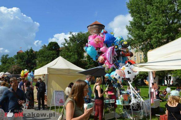 piknik rodzinny krakow bulwary wislane dzien dziecka 49 585x389 - Galeria zdjęć ze Smoczego Pikniku Rodzinnego nad Wisłą w Krakowie (1 czerwca 2019 Dzień Dziecka)