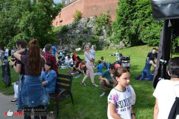 piknik rodzinny krakow bulwary wislane dzien dziecka 62 585x389 - Galeria zdjęć ze Smoczego Pikniku Rodzinnego nad Wisłą w Krakowie (1 czerwca 2019 Dzień Dziecka)