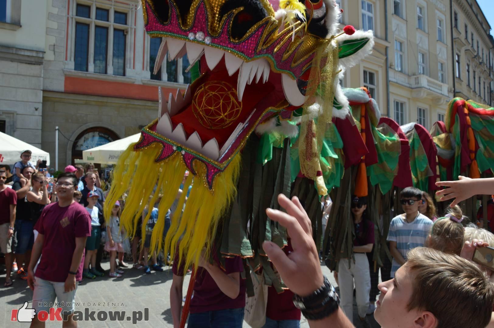 wielka parada smokow przeszla przez krakow w 40 smokow do okola swiata 2019 121 150x150 - Parada Smoków przeszła przez Kraków. Obszerna galeria zdjęć - 2 czerwca 2019 w Krakowie