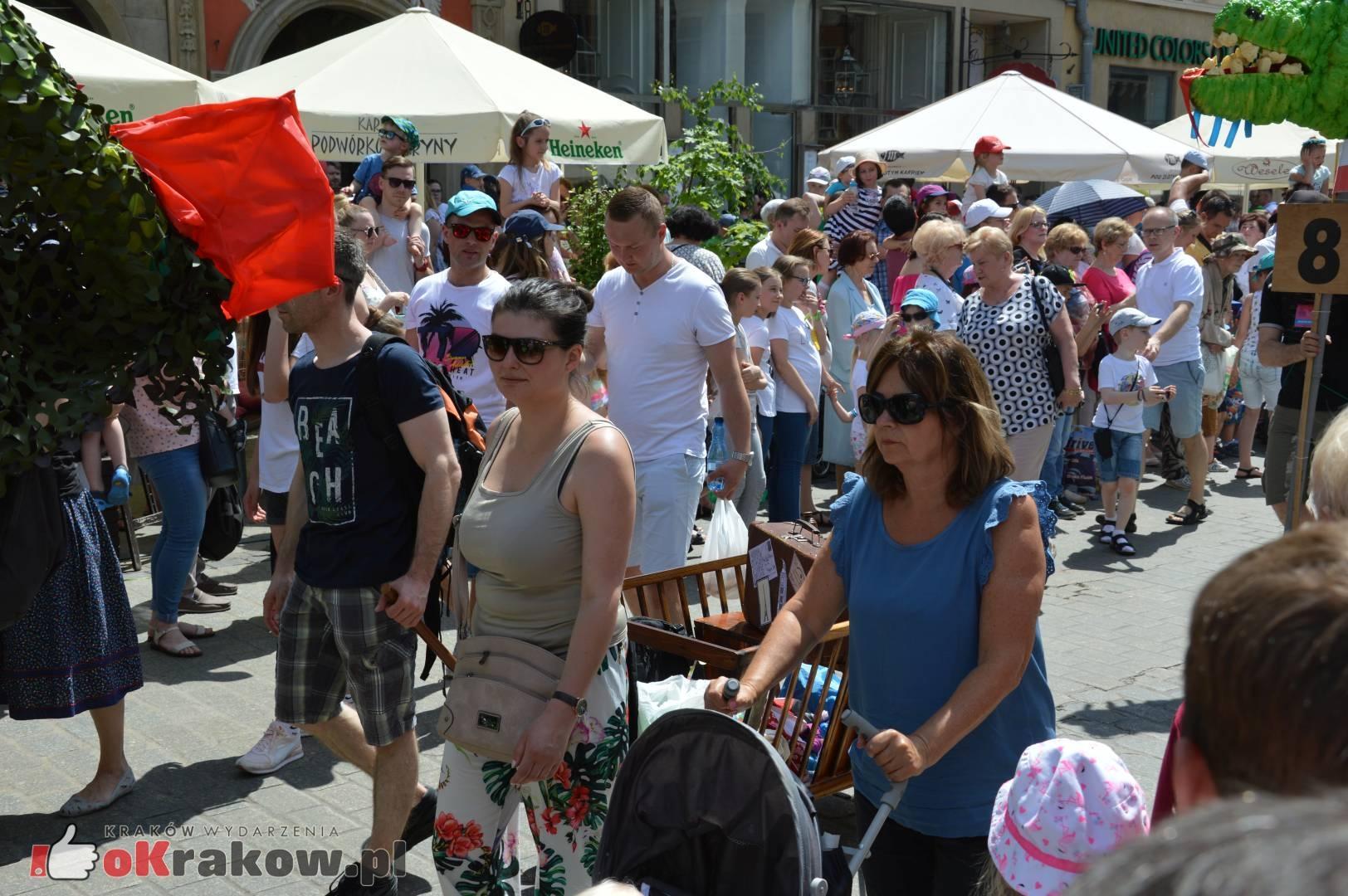 wielka parada smokow przeszla przez krakow w 40 smokow do okola swiata 2019 166 150x150 - Parada Smoków przeszła przez Kraków. Obszerna galeria zdjęć - 2 czerwca 2019 w Krakowie