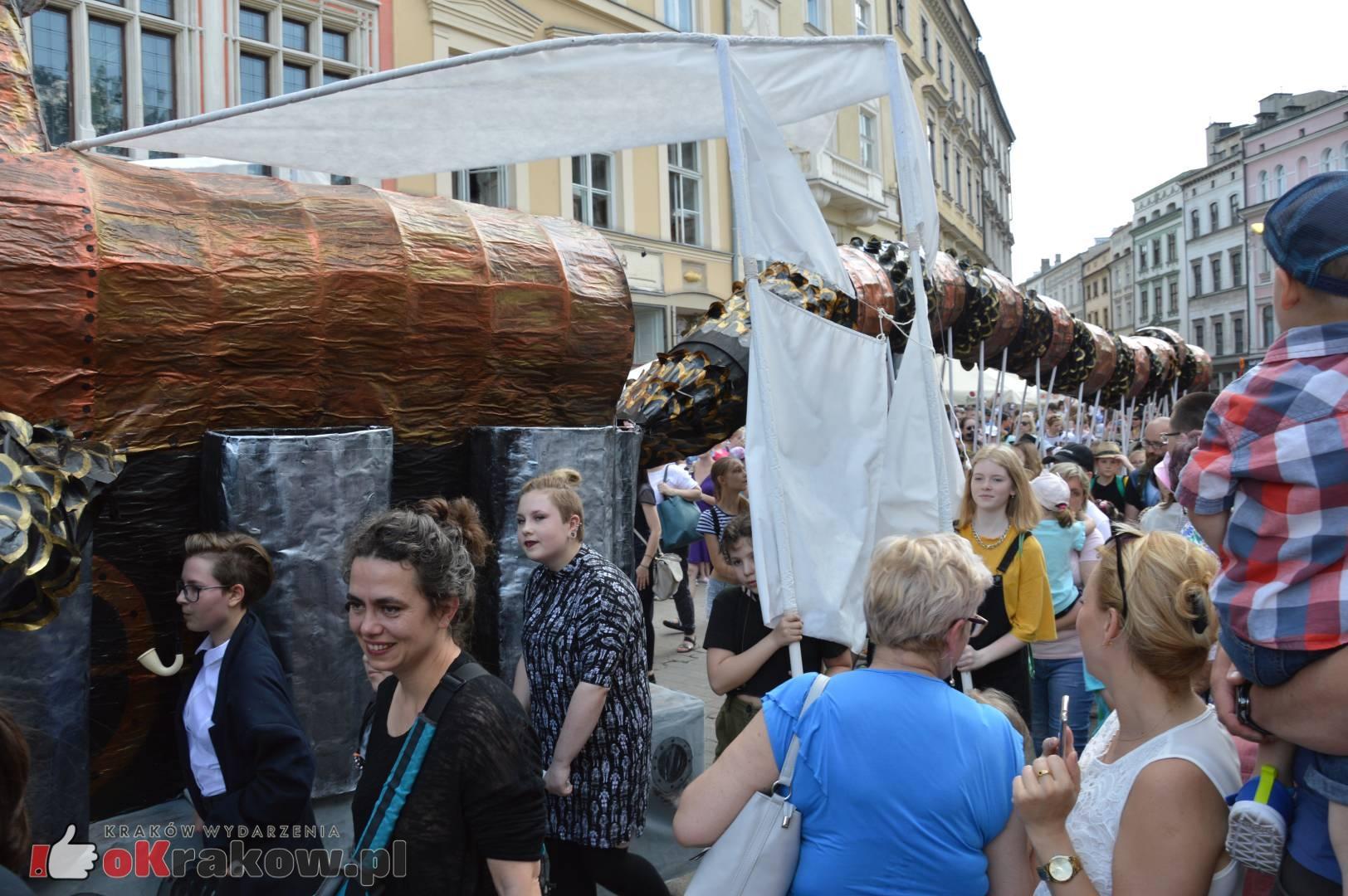 wielka parada smokow przeszla przez krakow w 40 smokow do okola swiata 2019 292 150x150 - Parada Smoków przeszła przez Kraków. Obszerna galeria zdjęć - 2 czerwca 2019 w Krakowie
