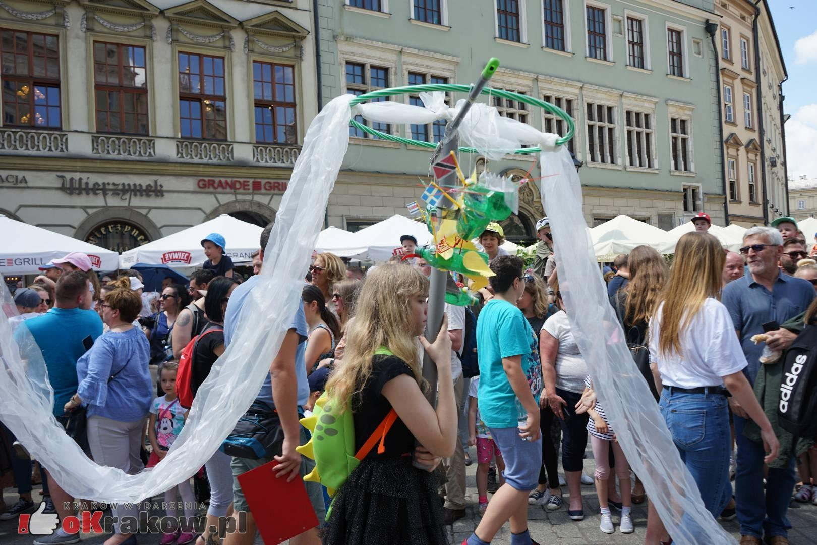 wielka parada smokow przeszla przez krakow w 40 smokow do okola swiata 2019 31 150x150 - Parada Smoków przeszła przez Kraków. Obszerna galeria zdjęć - 2 czerwca 2019 w Krakowie