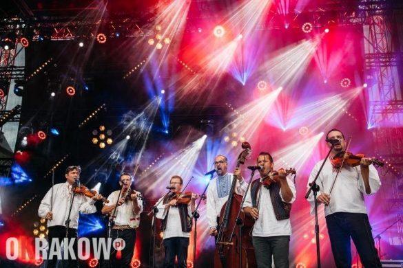 Spotkania w tańcu i poza tańcem | Piątkowa relacja z festiwalu EtnoKraków/Rozstaje