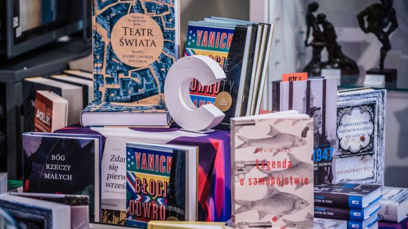 Conrad w księgarniach 2019 – odsłaniamy karty!