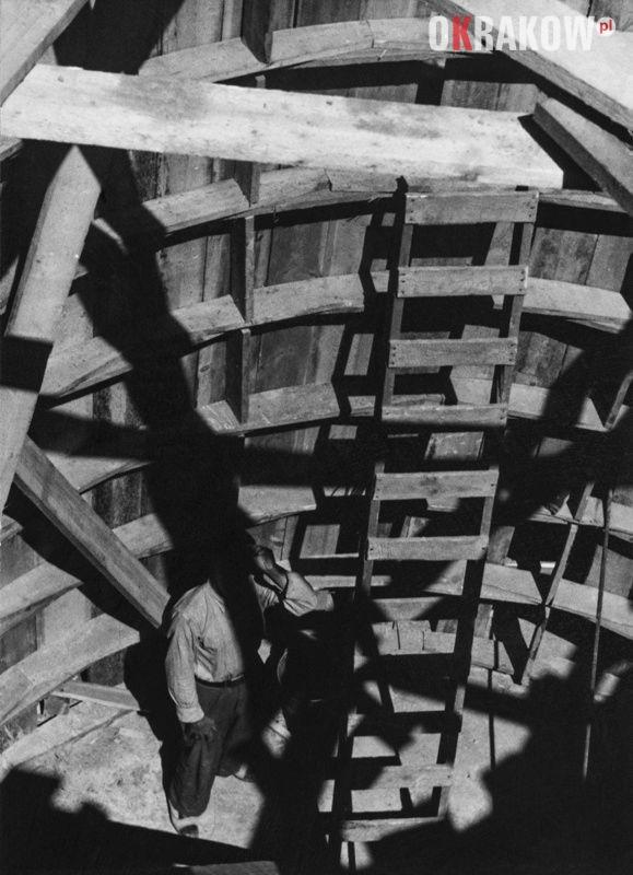 00443 1 - Muzeum Krakowa zaprasza na Wystawę: Mój drugi dom? Huta im. Lenina