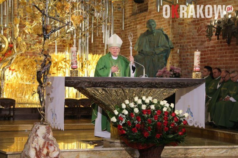 arcybiskup marek jedraszewski 1 - Abp Marek Jędraszewski w historycznej Sali BHP: Solidarność to upominanie się o drugiego człowieka