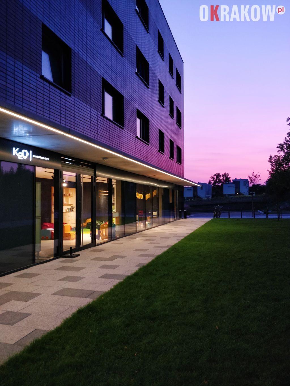 klub osiedlowy k2o mieszkaj w miescie krakow bronowice fot. j.paszko 1 225x300 - Architektura miasta a design wnętrz w budownictwie mieszkaniowym – panel dyskusyjny z udziałem wybitnych architektów