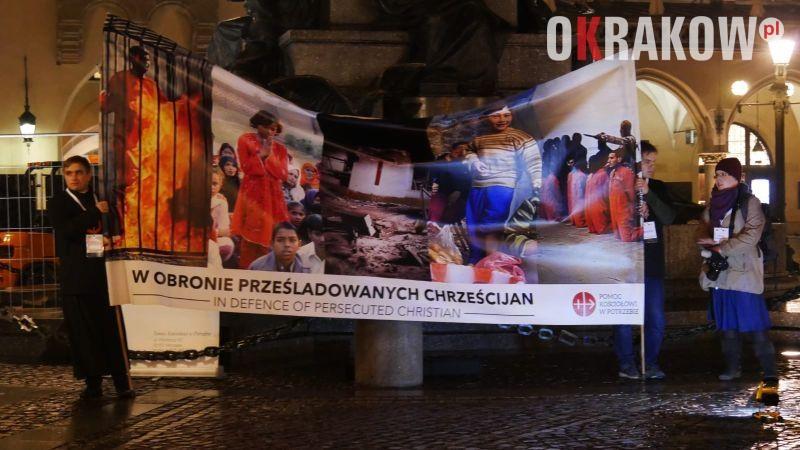 noc swiadkow fot. justyna zygmunt biuro prasowe archidiecezji krakowskiej 5 - Abp Marek Jędraszewski: Prześladowani chrześcijanie czekają na naszą modlitwę solidarności