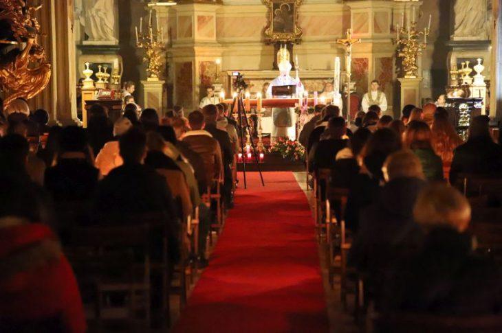 krakow 1 730x485 - Abp Marek Jędraszewski podczas rorat akademickich: Boże Narodzenie jest każdego dnia