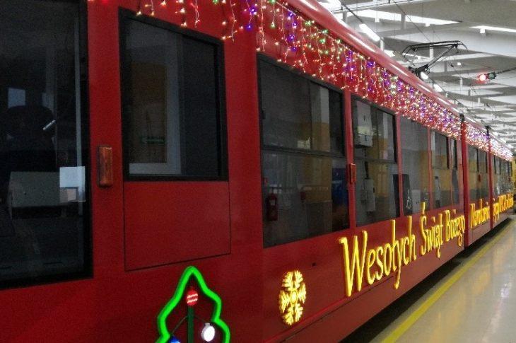 mpk krakow mikolaj 730x485 - 6 grudnia w Krakowie Mikołaj rozda prezenty w tramwaju