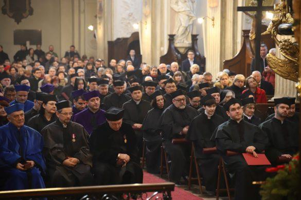 archidiecezja krakowska 3 585x390 - Abp Marek Jędraszewski do środowiska akademickiego: Posługujcie prawdzie!