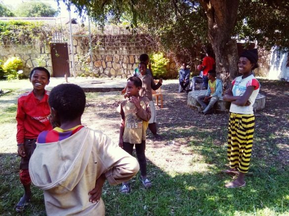 """barkot fundacja dzieci etiopii 1 585x439 - Prosimy o wsparcie! Fundacja Dzieci Etiopii """"Barkot"""". Perspektywy dla dzieci ulicy"""