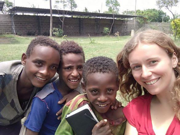 """barkot fundacja dzieci etiopii 3 585x439 - Prosimy o wsparcie! Fundacja Dzieci Etiopii """"Barkot"""". Perspektywy dla dzieci ulicy"""