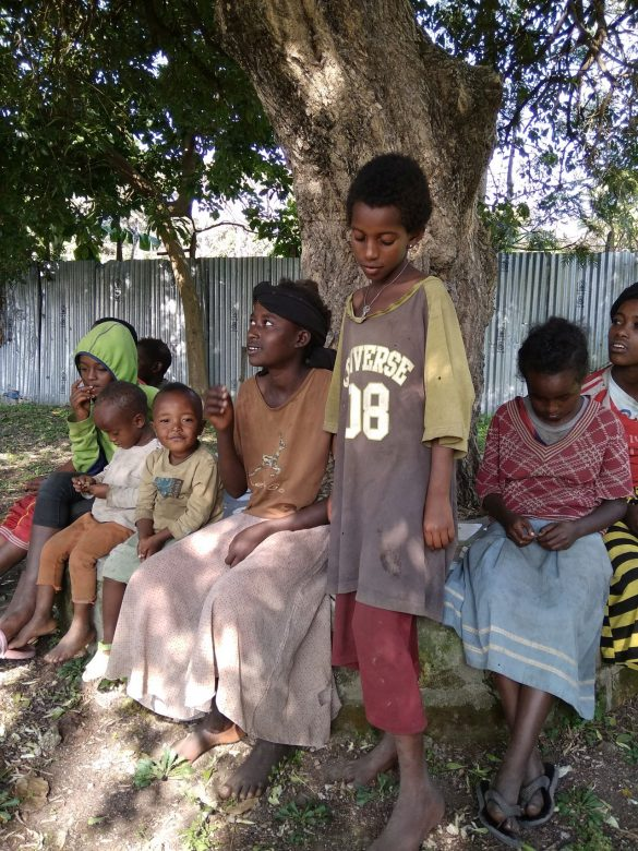 """barkot fundacja dzieci etiopii 4 585x780 - Prosimy o wsparcie! Fundacja Dzieci Etiopii """"Barkot"""". Perspektywy dla dzieci ulicy"""