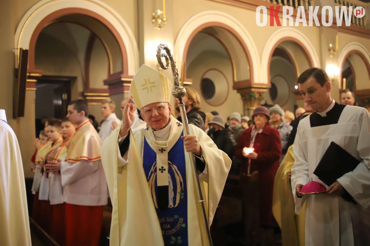 archidiecezja krakowska 1 - Wolność wypływa z Ewangelii - abp Marek Jędraszewski w krakowskim Kościele Matki Bożej z Lourdes