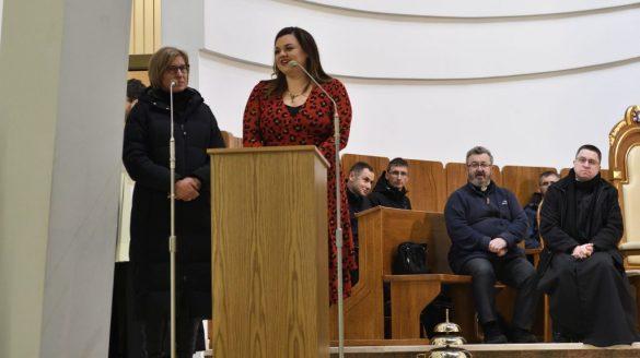 krakow lagiewniki 3 585x328 - Spotkanie z Abby Johnson w Łagiewnikach - Nie pozwalaj na aborcję!