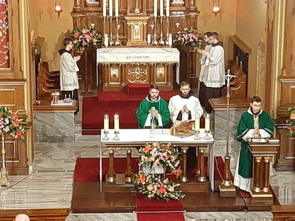 sanktuarium bozego milosiedzia krakow lagiewniki 8 585x439 - Świętymi bądźcie!