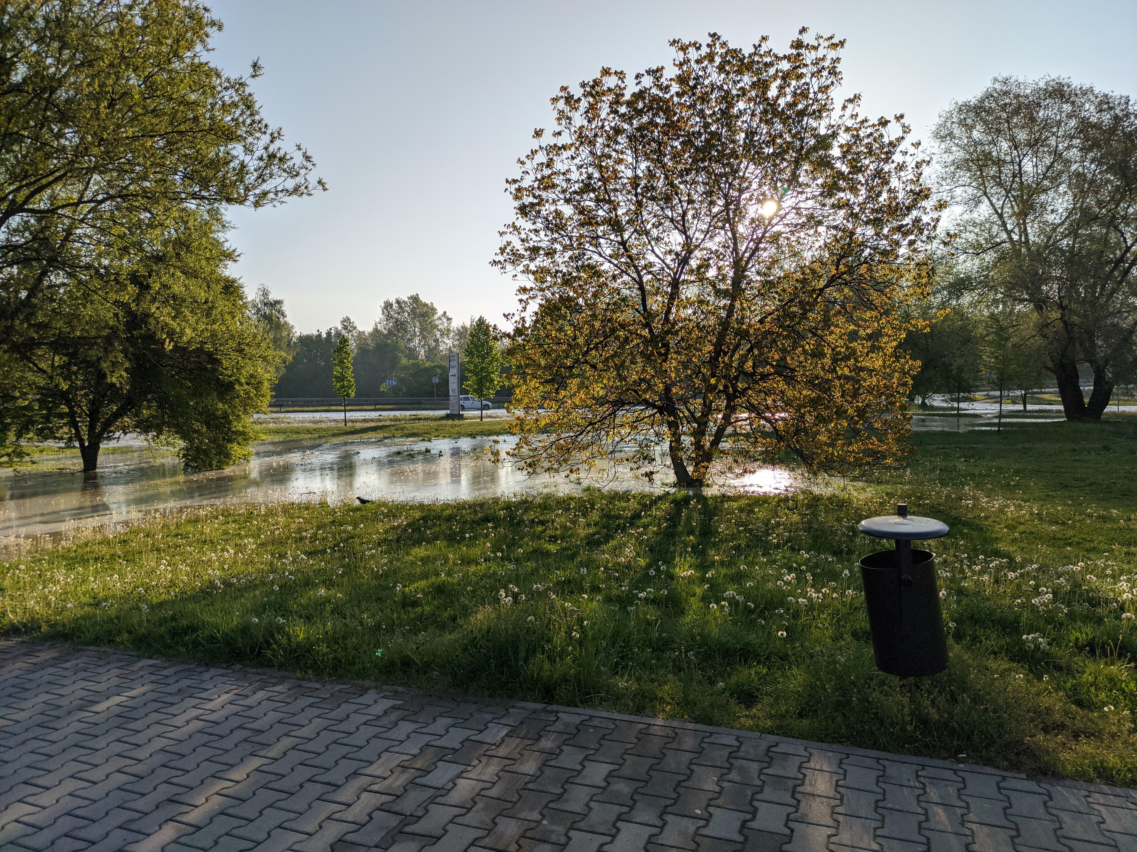 rzaka krakow awaria 7 150x150 - Awaria koło przystanku Jerzmanowskiego (Rżąka) - zdjęcia