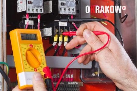 elektryk 1 450x300 - Usługi elektryczne